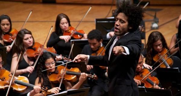 Rafael Payare y Alisa Weilerstein junto a la Orquesta Sinfónica Infantil y Juvenil de los núcleos del Estado Táchira