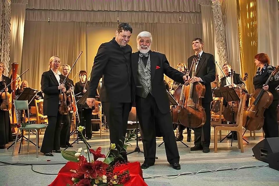 Maestro Ángelo Pagliuca y de su hijo el Profesor Domingo Pagliuca Bedetti