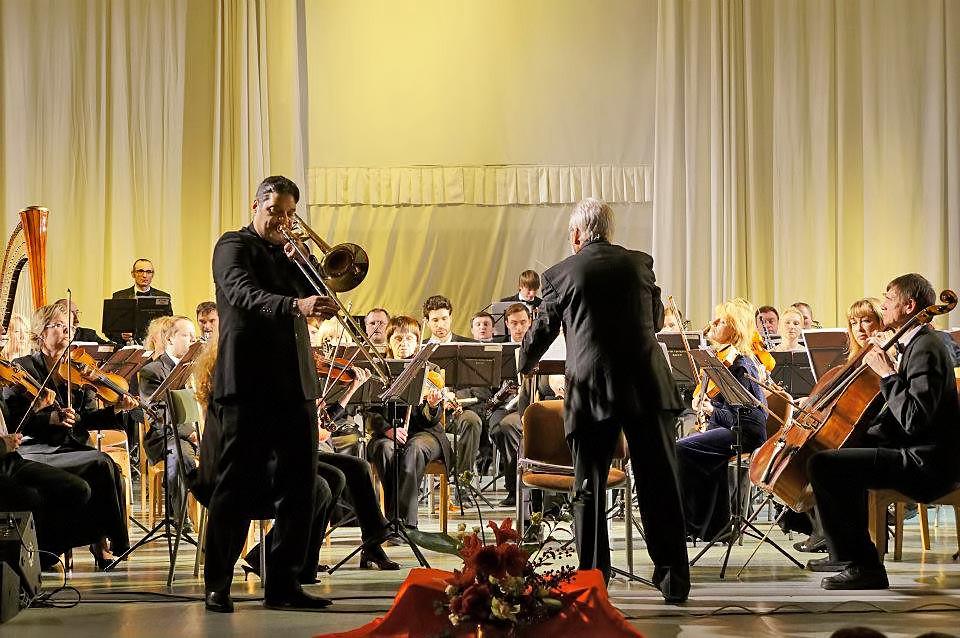 Ángelo y Domingo Pagliuca dos generaciones llenan de música a Belarús