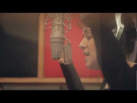 Video |Linda Briceño – Bésame mucho