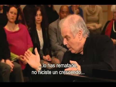 Christian Vásquez dirige a la Orquesta Sinfónica Simón Bolívar de Venezuela con David Kadouch como solista
