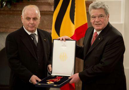 Daniel Barenboim recibe la Gran Cruz de la Orden del Mérito