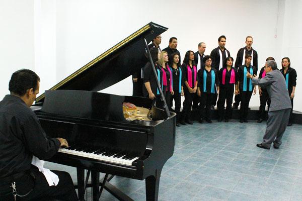 El Coro de Cámara y el Coro Infantil de la Foscg se presentaron, el viernes en la noche, en la Sala de Arte Sidor