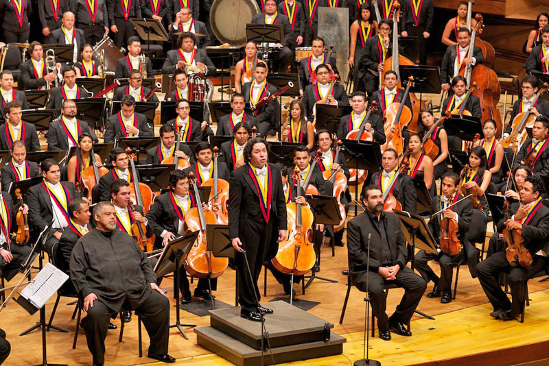 Concierto Aniversario Orquestas y Coros Juveniles e Infantiles de Venezuela, Orquesta Sinfónica Simón Bolívar de Venezuela conducidos por el maestro Gustavo Dudamel