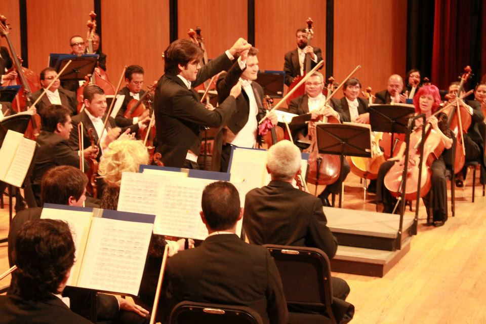 Manuel López-Gómez, Alexandre Da Costa y la Orquesta Filarmónica de Jalisco Fotos: Cortesía de la Filarmónica de Jalisco