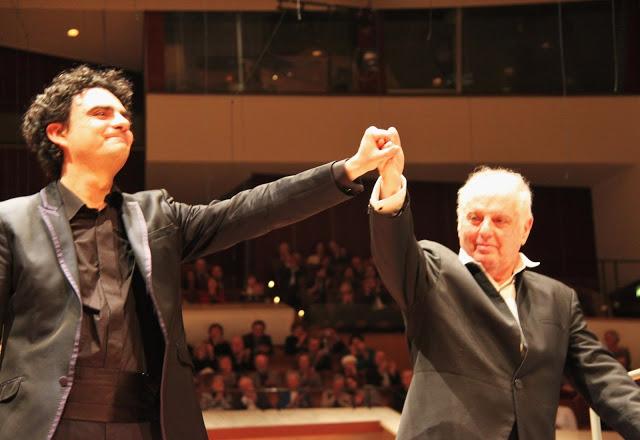 Concierto en Berlín une a dos grandes, Daniel Barenboim y Rolando Villazón
