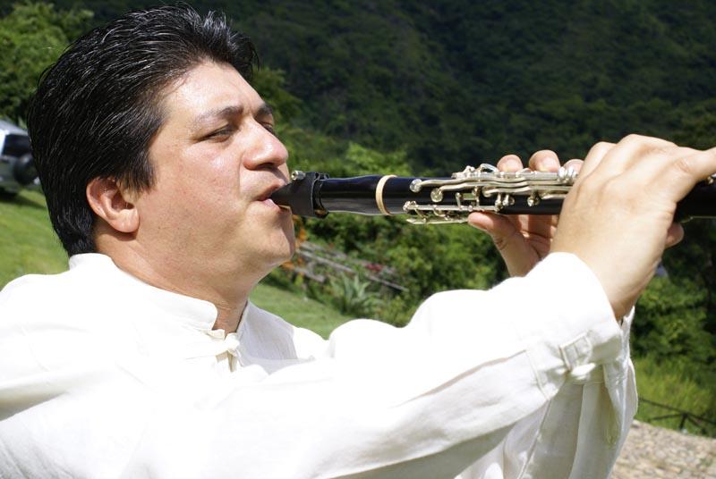 El célebre clarinetista venezolano rinde tributo al jazz y promueve la creación de Big Band Jazz en diferentes estados del país