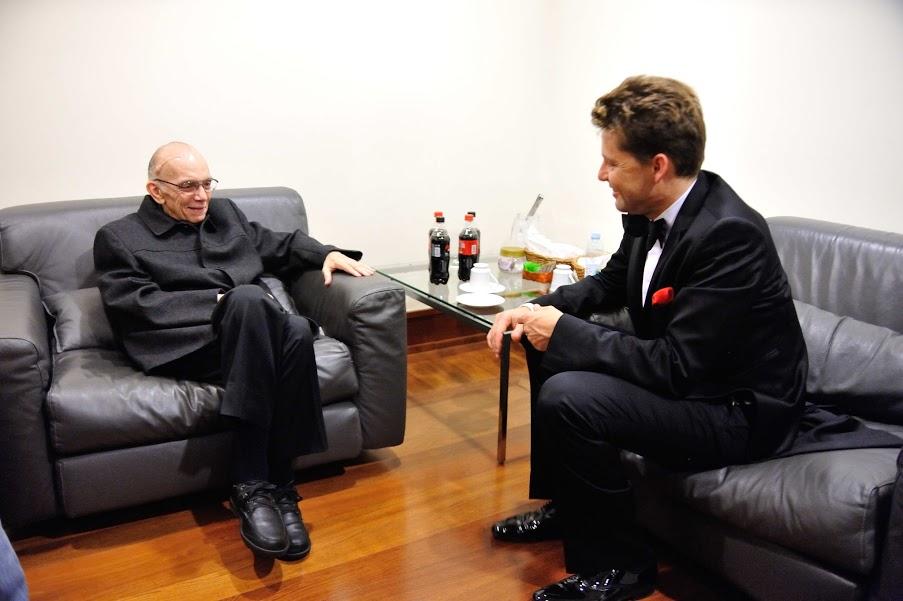 El maestro José Antonio Abreu y Julián Rachlin conversaron acerca del intercambio que puede establecerse entre las orquestas juveniles de El Sistema y la Sinfónica de Heliópolis