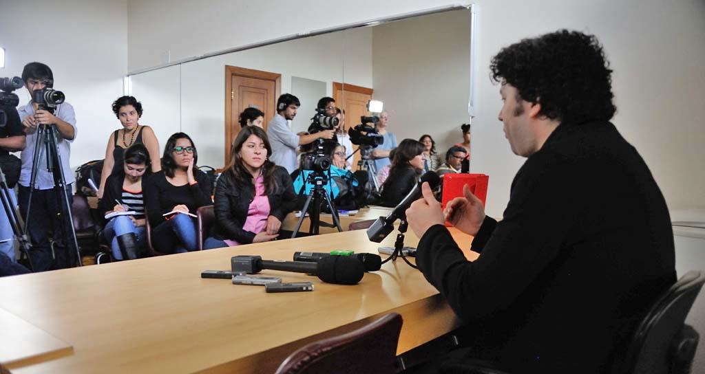 """Gustavo Dudamel: """"Una orquesta es un país"""""""