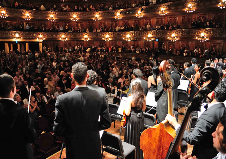 Consagración en el Teatro Colón