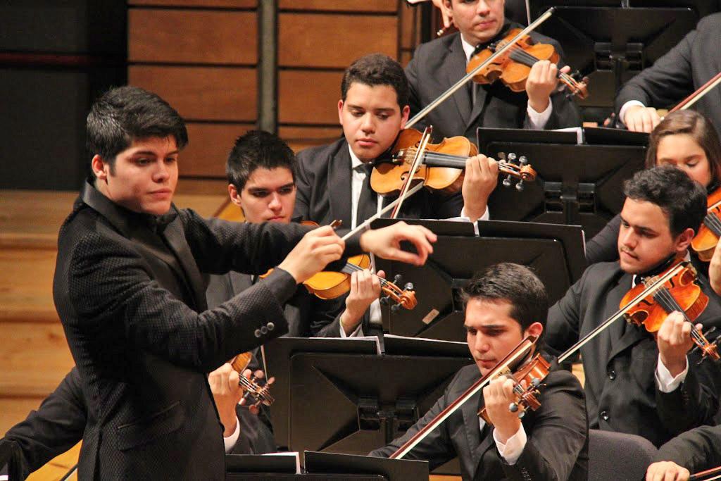 Foto Galería - Manuel Jurado & Enluis Manuel Montes enfrentaron el reto de conducir ópera