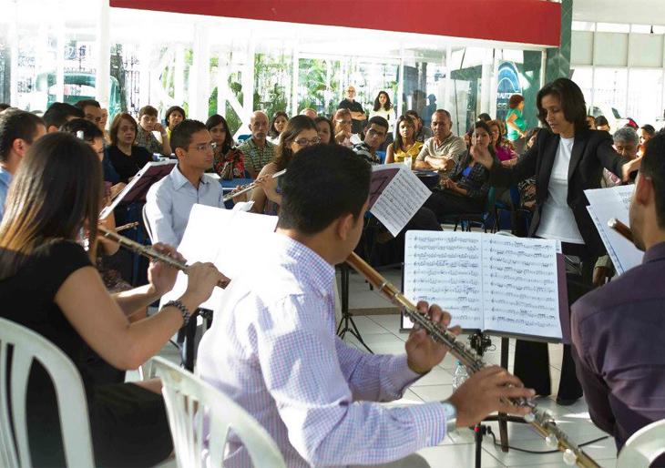 """La Orquesta Nacional de Flautas de Venezuela presenta """"Solistas de la ONF"""""""