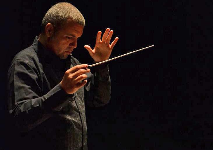Antonio Giménez dirige y estrena una de sus obras
