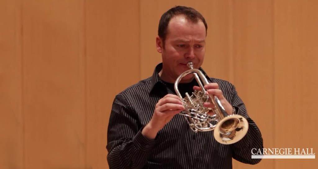 La primera trompeta de la Filarmónica de Berlín llegó a Caracas para realizar actividades educativas