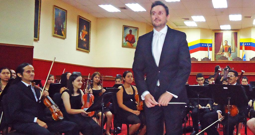 Orquesta Sinfónica del Estado Guárico y Orquesta Juvenil del Estado Guárico presenta concierto de gala