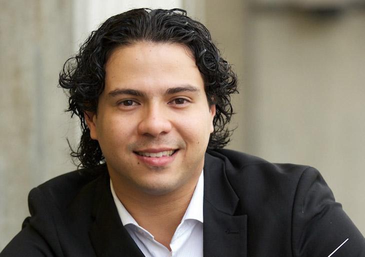 Jesús Oviedo dirige la Orquesta Sinfónica Infantil de Guanare