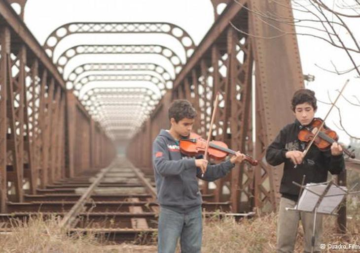 "Mitglieder des Klassikmusik-Projektes ""Grupos Sonantes"""