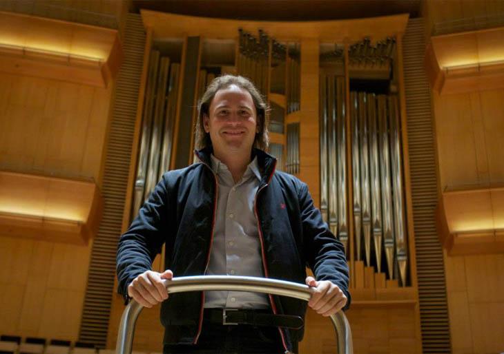 Christian Vásquez sueña con hacer música hasta que muera