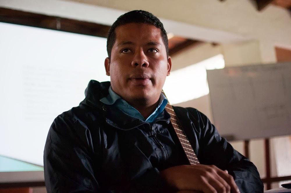 El cuatrista Luis Herrera participa también en la construcción del método de enseñanza