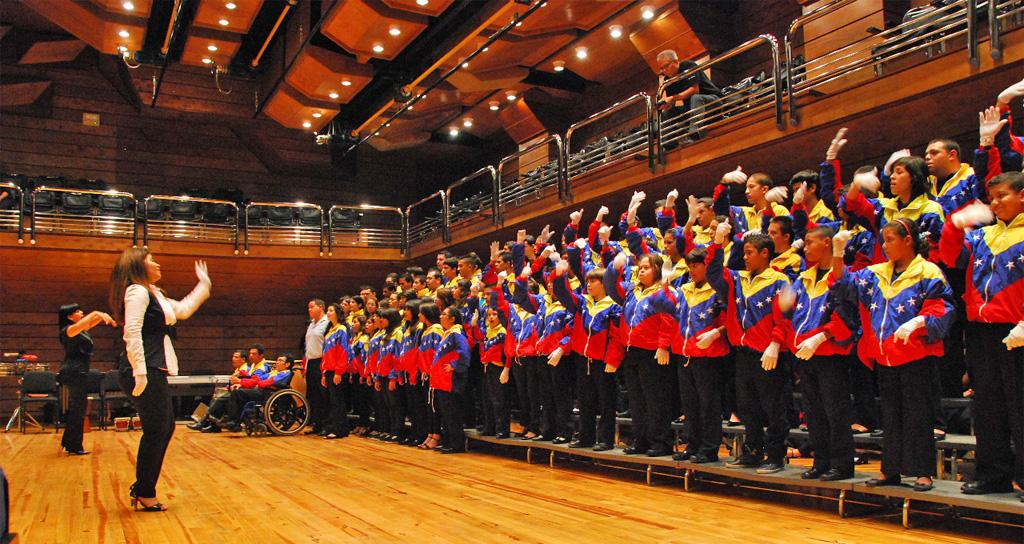 120 niños y jóvenes del Coro de Manos Blancas debutarán en Salzburgo