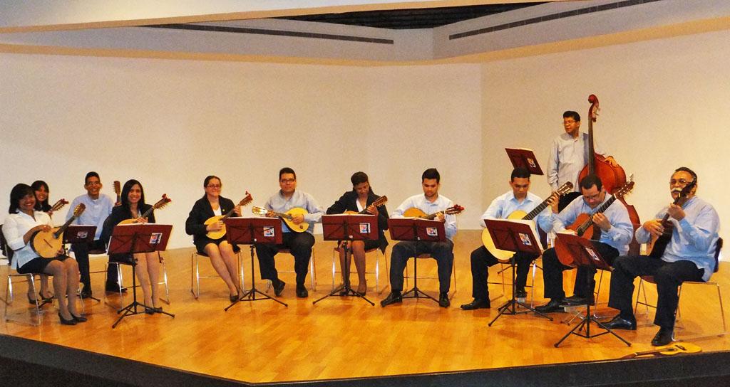 """La Estudiantina Universitaria interpreta """"Canciones de Venezuela y el Mundo"""""""
