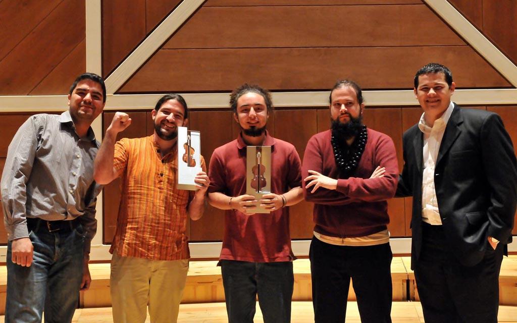 Foto Ganadores del concurso de composicion Sistema Orquesta 2013 Luis fernando laya Jose Agustin Sanchez Bryan Carrera Alberto Gonzalez Andres Levell Rolando Moya