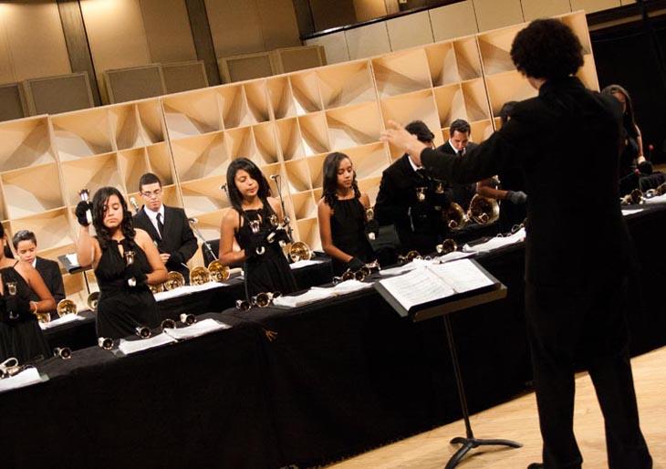 Orquesta de Campanas y Coro Juvenil del Conservatorio Simón Bolívar cierran temporada de conciertos en la Sala Fedora Alemán