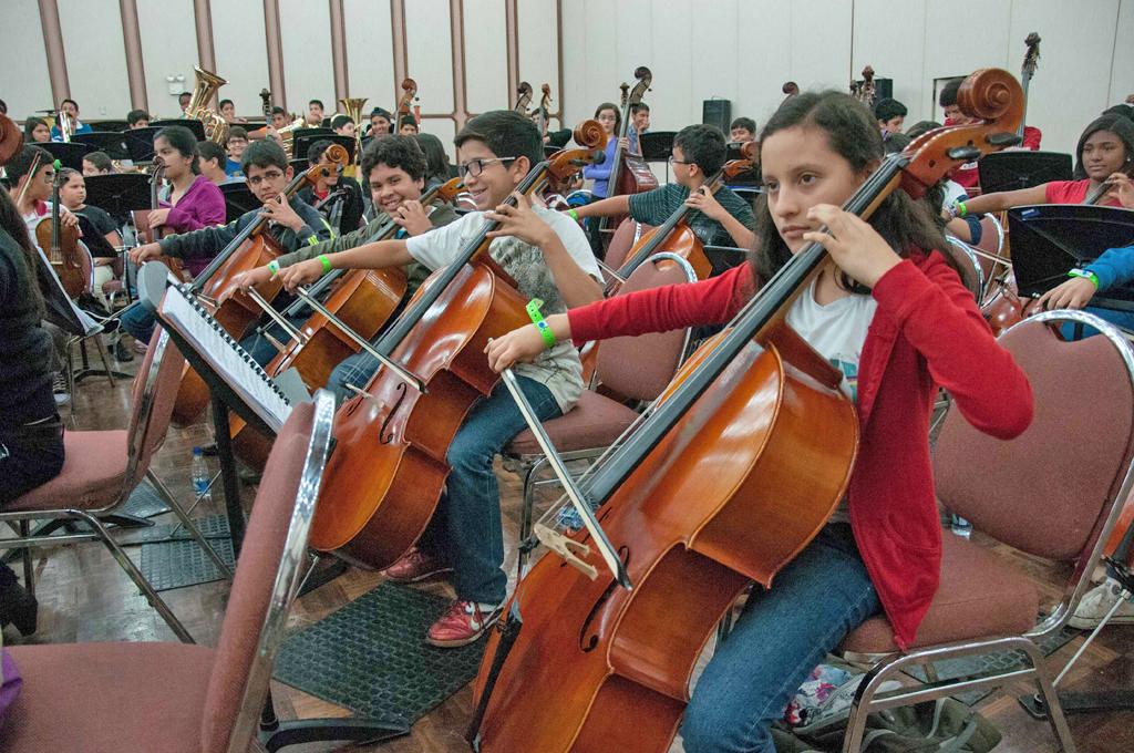 La Sinfónica Nacional Infantil debutará en Salzburgo bajo la dirección de Simon Rattle