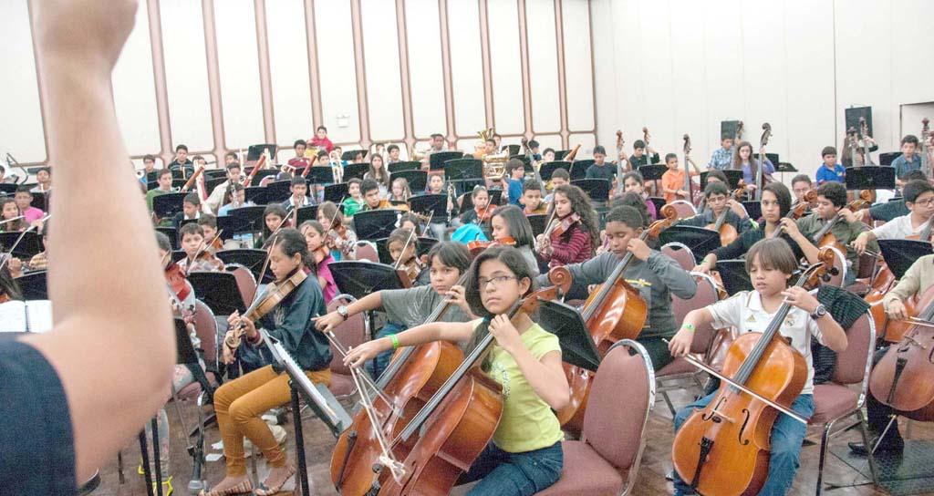Sistema de Orquestas quiere llevar la música a un millón de niños