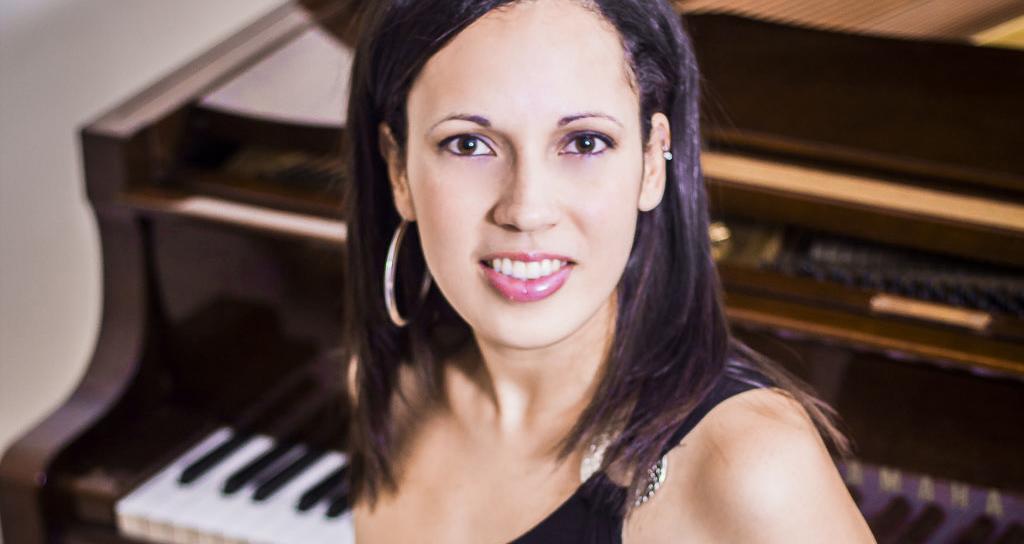 """Una nueva pianista egresa de la Escuela de Música """"Lino Gallardo"""""""