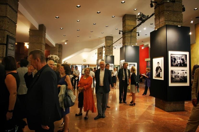 Inauguración de la exposición fotográfica de Leica sobre El Sistema