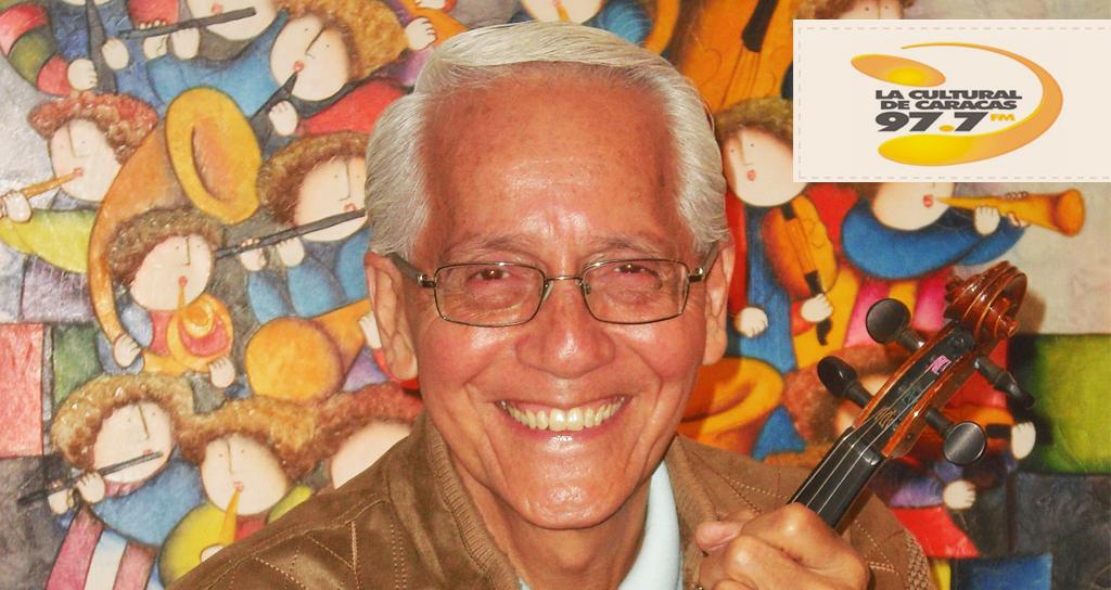 Alejandro Ramírez estrenando programa de radio «Notas que cuentan»