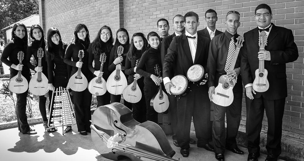 «Orquesta de Cámara Amadís» en el Salón Siglo XXI