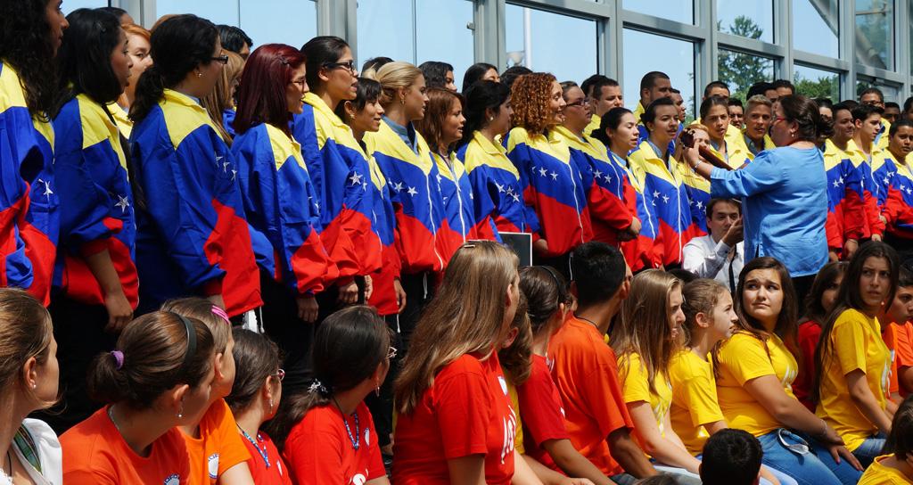 Coral venezolana y 200 niños europeos unieron sus voces en Festival Superar