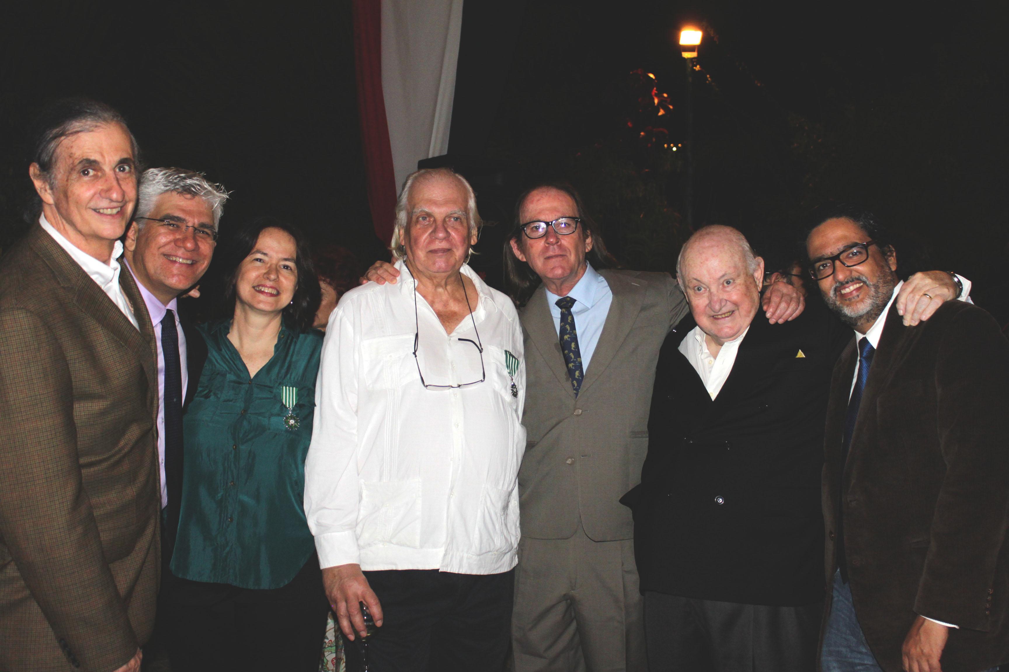 Los cineastas Carlos Oteyza y Fermín Branger con los Lichy.