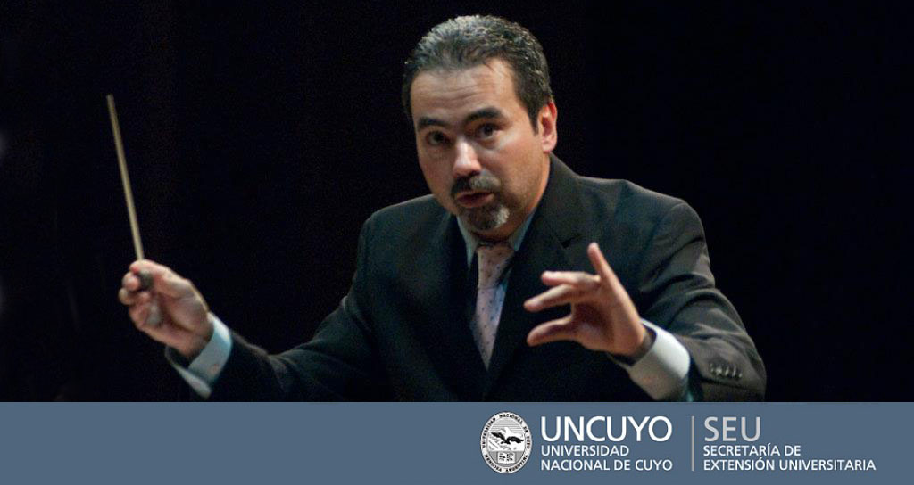 César Iván Lara conduce a la la Orquesta Sinfónica de UNCuyo, Argentina