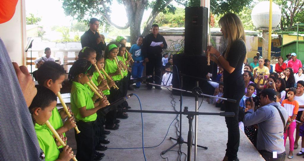 """Integrantes de la """"Fundación para la música del Blanco"""" cautivaron en su primer concierto"""