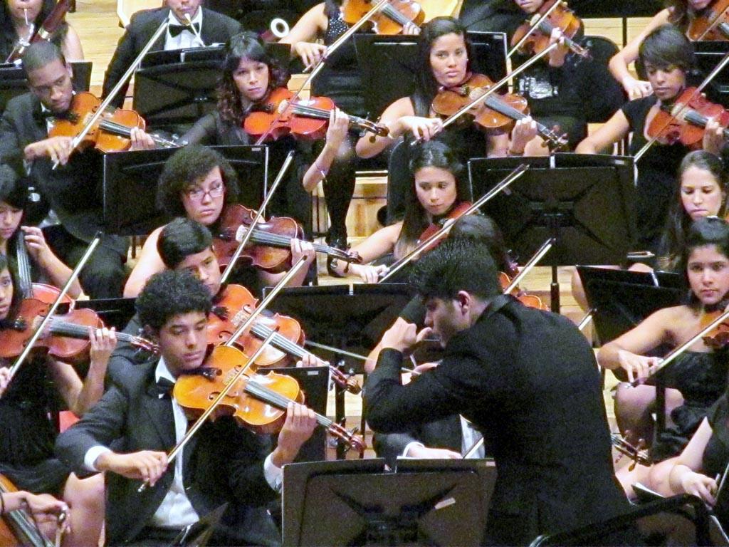 La Orquesta Juvenil del Conservatorio de Música Simón Bolívar cierra temporada