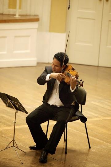 Para el violista Ismel Campos, el haber crecido con una orquesta ha sido fundamental para el desarrollo del trabajo camerístico