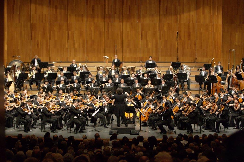 Gustavo Dudamel y la OSSBV