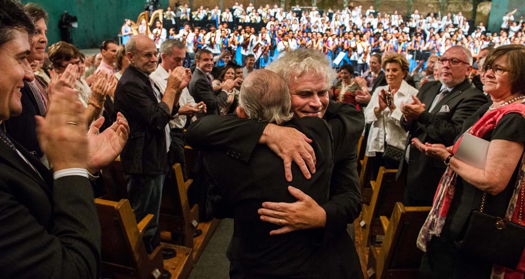 El Sistema • National Children's Symphony Orchestra of Venezuela: José Antonio Abreu, Simon Rattle, National Children's Symphony Orchestra of Venezuela © Silvia Lelli