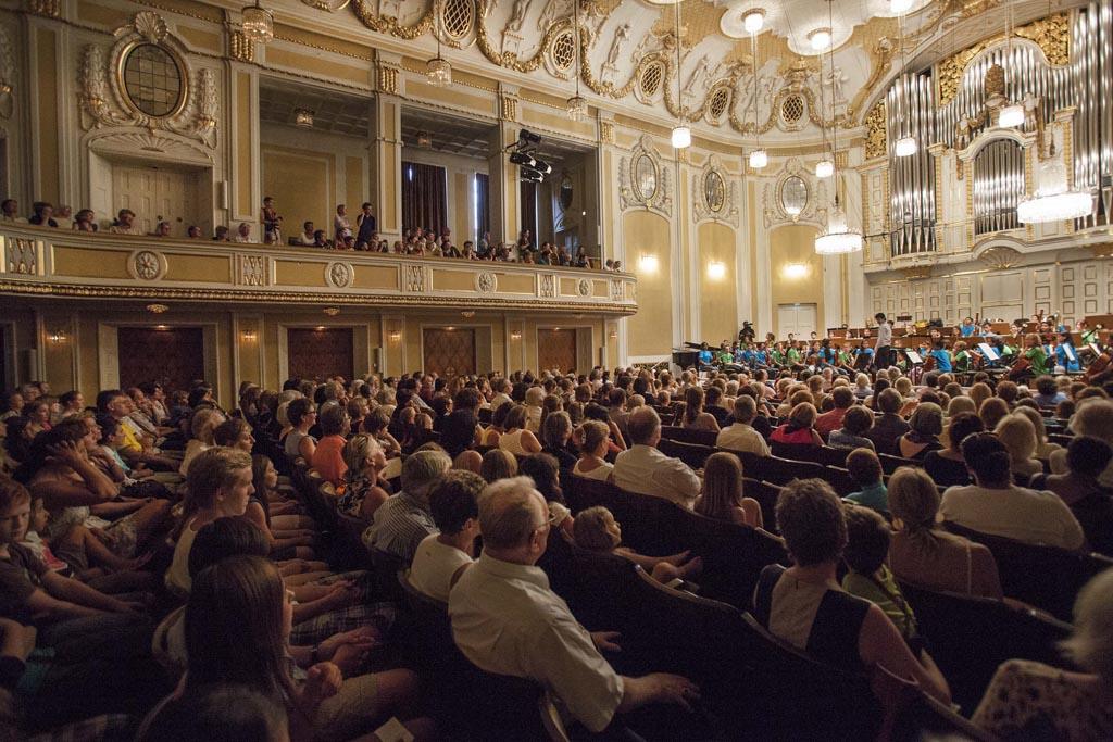 El Sistema • Children's Orchestra Rehearsal  © Silvia Lelli
