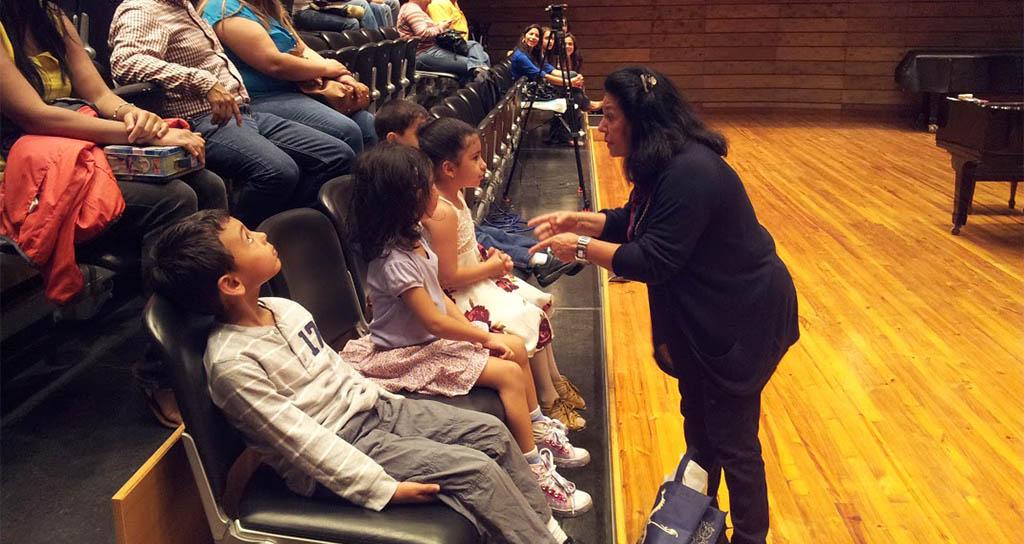 Foto Galería | Lyl Tiempo dictó clase magistral de piano a niños de 5 a 7 años