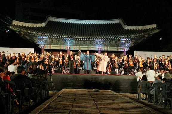 Dietrich Paredes, Andrés Rivas y Chae Eun Suk subieron juntos al escenario en representación de sus orquestas, la Sinfónica Juvenil de Caracas y La Orquesta de los Sueños. La Binacional Venezuela-Corea, tal como lo manifestó el maestro Abreu al finalizar el concierto, sonará en Caracas en el 2014