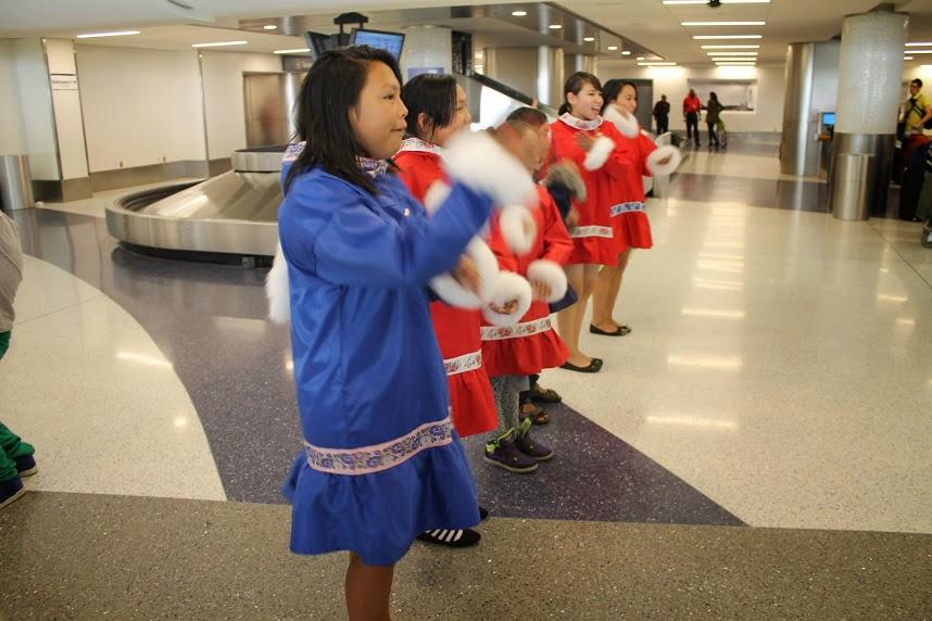 Los niños de Uummannaq cantan, tocan y bailan música groenlandesa fuera de sus fronteras