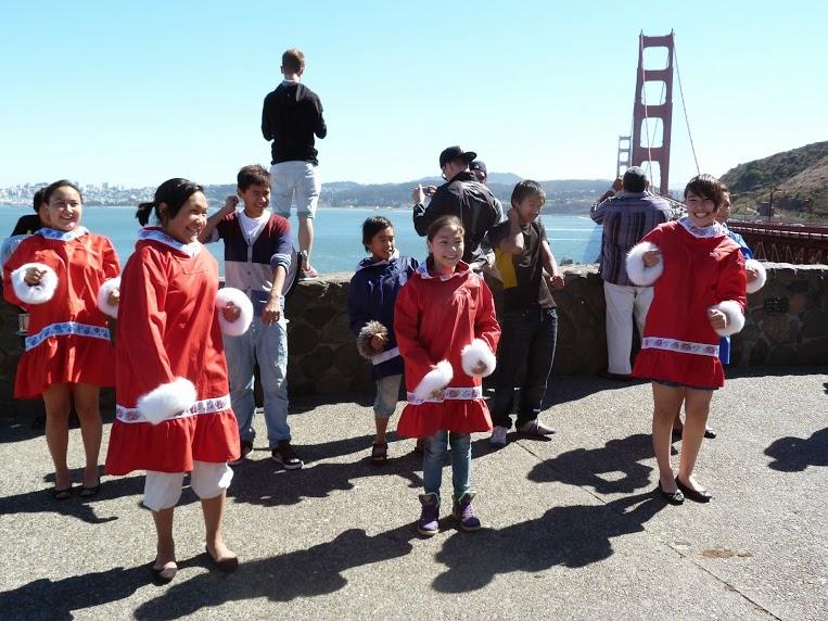 Los niños de Uummannaq a su llegada a San Francisco