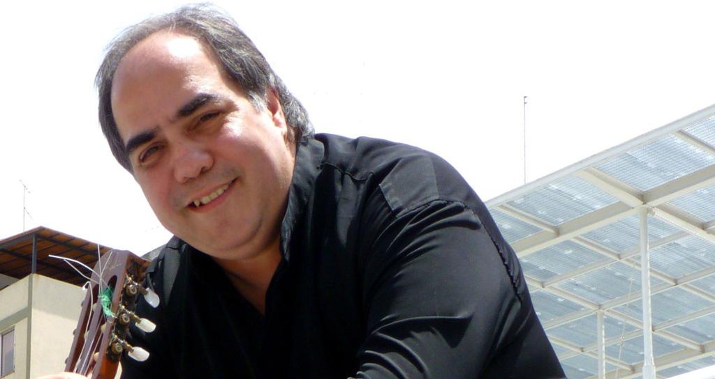 """Báez: """"El Fado es una música nostálgica arrancavenas"""""""