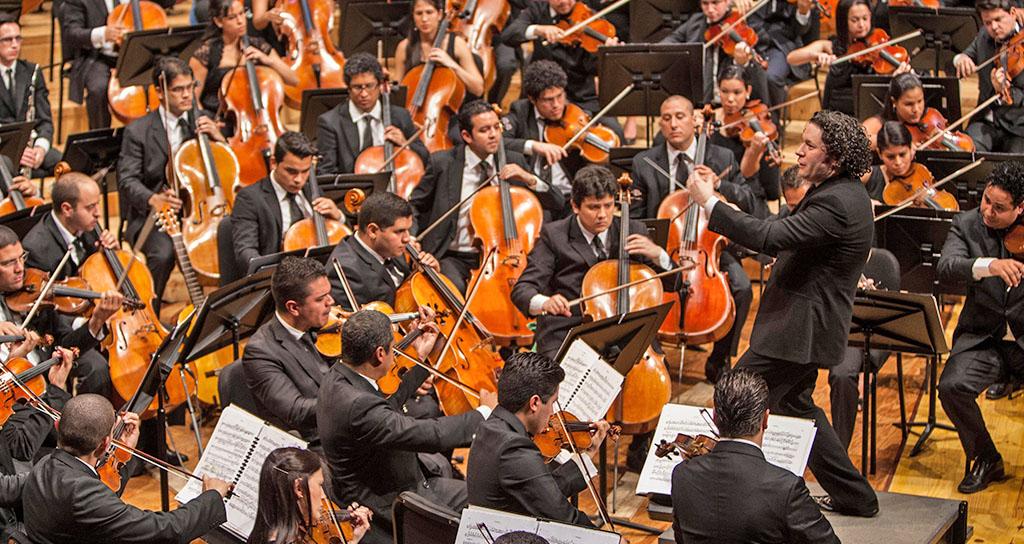 Gustavo Dudamel cierra temporada en Venezuela este viernes
