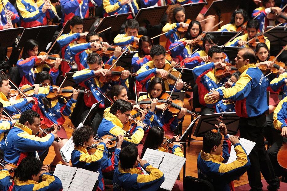 Sinfónica Juvenil de Caracas Dietrich Paredes