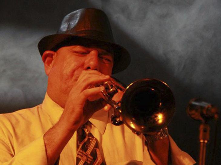 Recorrido por el Jazz con Julio Mendoza